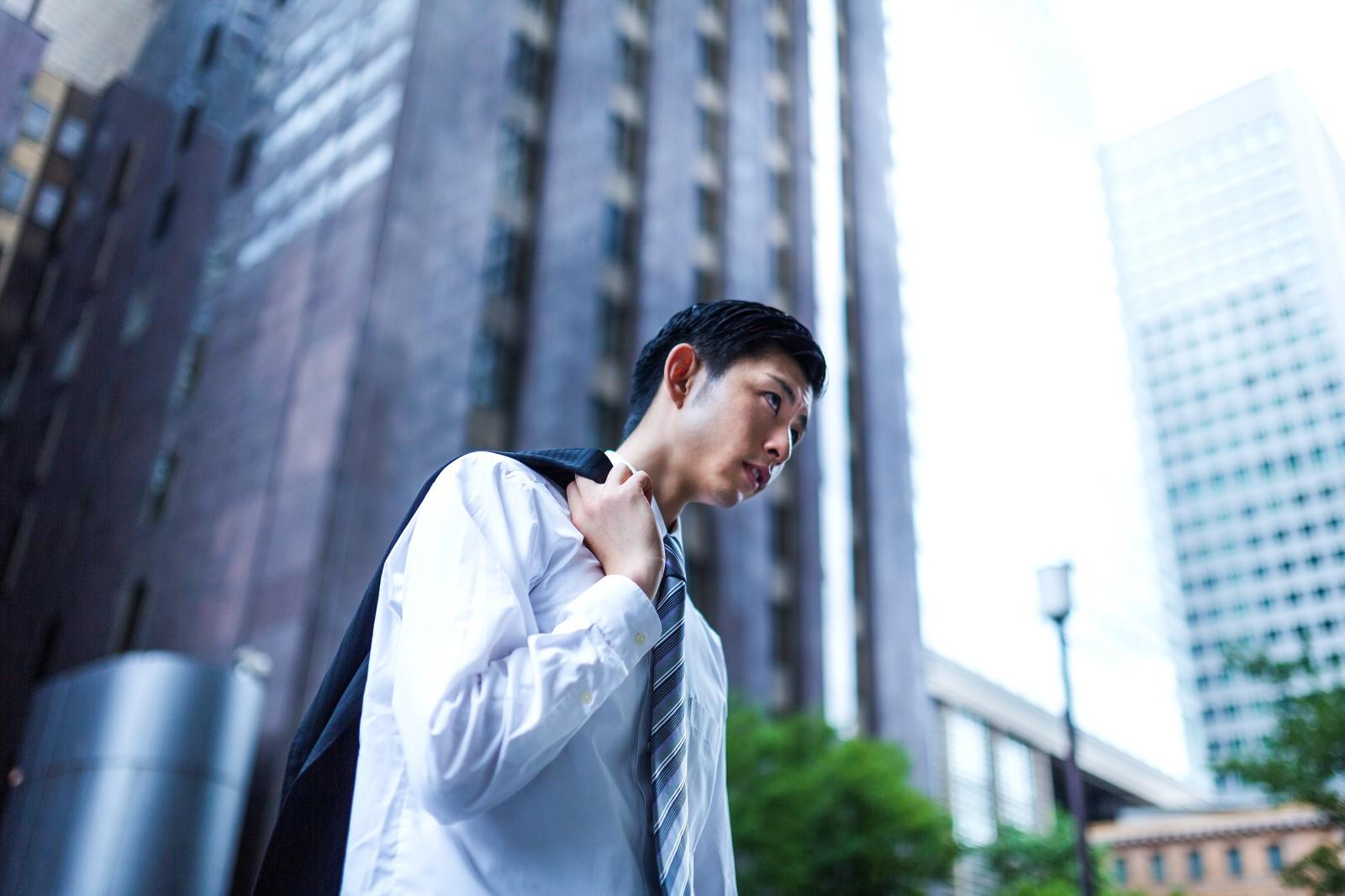 営業職を辞めたい、ノルマ、飛び込み営業が辛いと感じた時の対処法