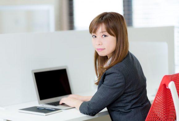 準社員とは何?正社員との違いや準社員から正社員になれる可能性