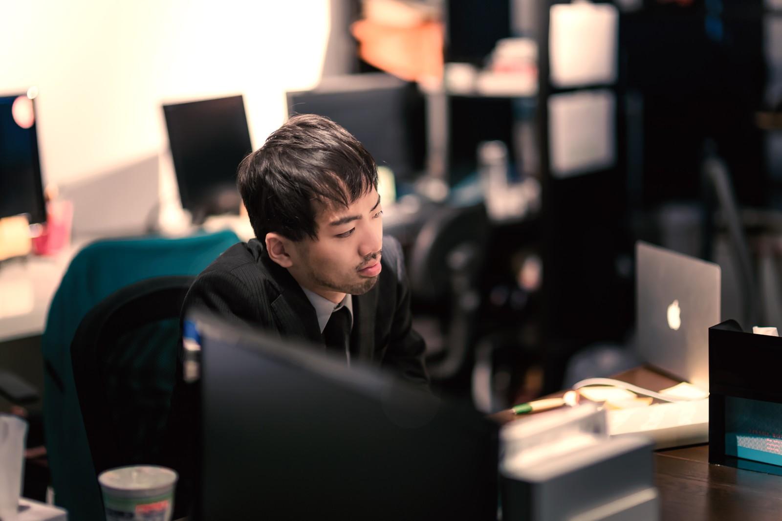 中途入社の会社、職場に馴染めなくて辛いのは誰のせい?辞める判断はいつする?