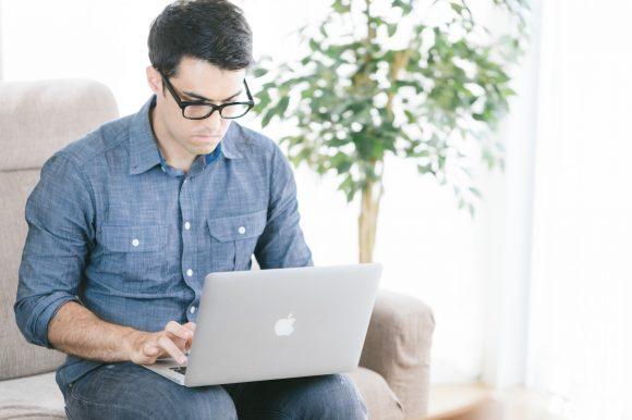 30代で年収1000万円以上の人の割合と、企業の特徴、転職による目指し方