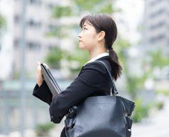 友人や知り合いの紹介で転職することのメリット、デメリット。失敗する人も多いので要注意。